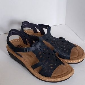 Cliffs by White Mountain Chambray Sandal